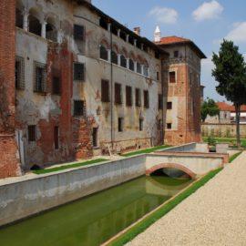 Lagnasco, castello Tapparelli esterno