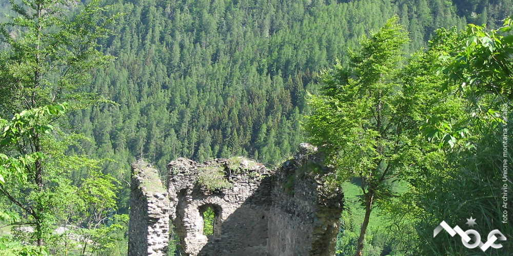 ruderi castello delfinale