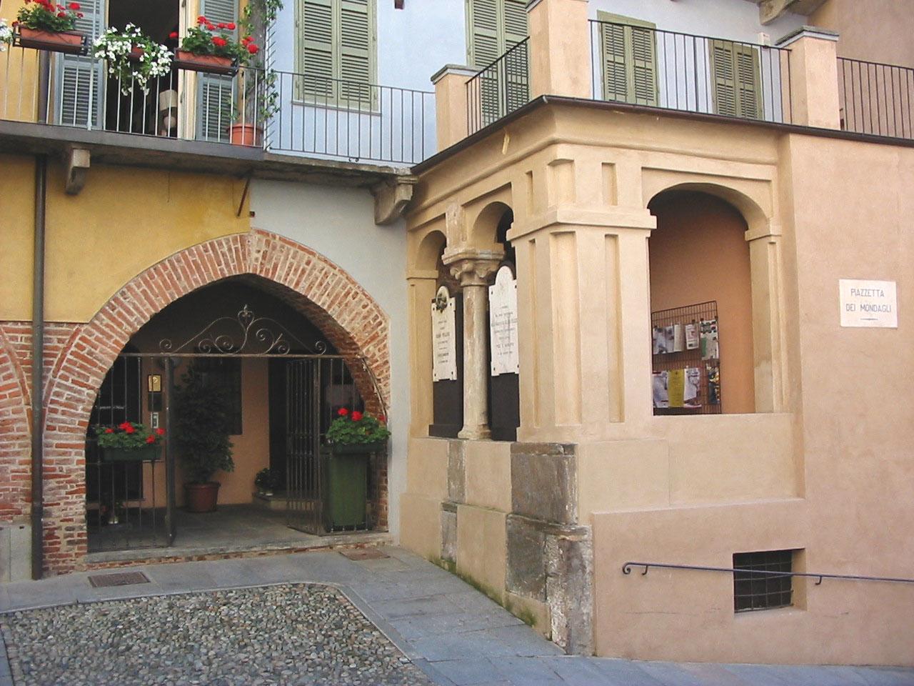 Saluzzo, Casa Pellico - exterior